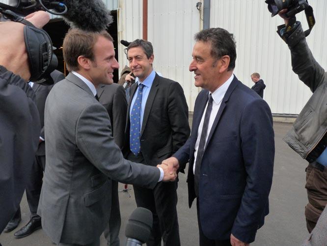 Le Ministre de l'économie visite l'entreprise Matière